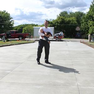 Concrete Driveway Sawcut Control Joints - DaycoGeneral.com